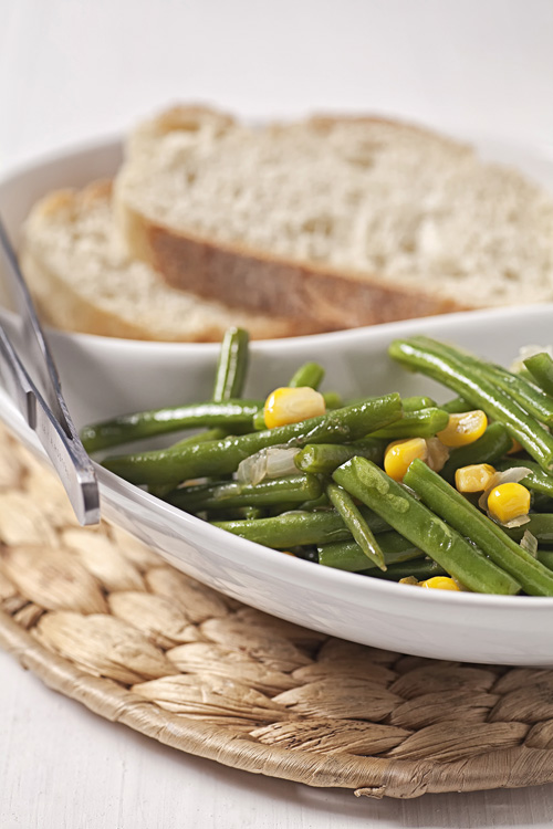 Green Bean and Corn Salad accompanied with bread